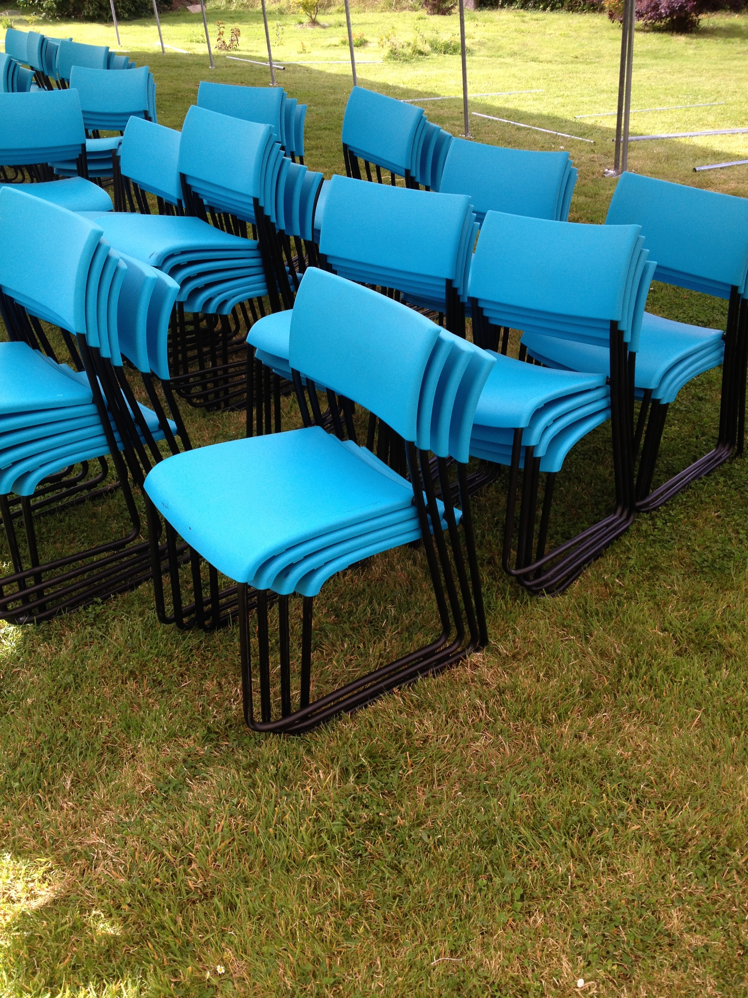 chela plastic stacking chairs